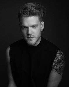 Scott Hoying.. His sleeve has grown way more. HOW CAN ONE HUMAN BEING BE SO HOT!!?