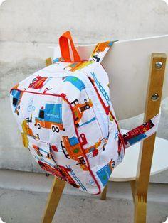 * Tuto gratuit, sac à dos maternelle. A télécharger ici : http://www.tadaam.fr/2014/10/diy-tuto-sac-dos-de-maternelle.html