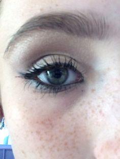 Gold eye with smokey lash line