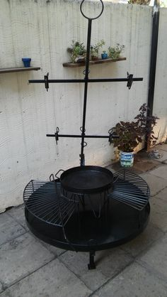Parrilla Exterior, Stove Heater, Grill Master, Charcoal Grill, Grilling, Diy And Crafts, Roast, Outdoor Decor, Diy Things