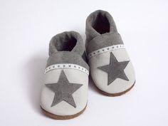 Sternchen Krabbelschuhe für Minifüßchen / children's shoe, little star by Minifuß Krabbbelschuhe via DaWanda.com
