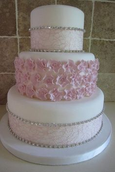 making a sponge wedding cake in advance 1000 ideas about quinceanera cakes on quince 17036