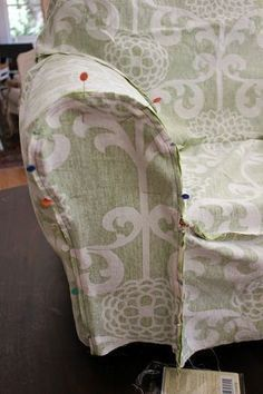 Diy Sewing Projects Armchair Slipcover Tutorial by Sew Country Chick: fashion sewing and DIY: Sewing Hacks, Sewing Tutorials, Sewing Crafts, Sewing Patterns, Sewing Tips, Fabric Crafts, Scrap Fabric, Reupholster Furniture, Furniture Upholstery