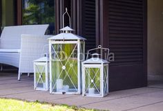White lanterns for outside wedding
