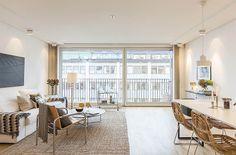 Lägenhet i Stockholm - Skeppsholmen Sotheby's International Realty Stockholm Apartment, Light In, Dining Chairs, Interior Decorating, Sofa, Windows, Living Room, Studio, Apartments