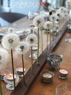Table decoration with preserved blowball, spring, dandelion, blowball for eternity Quirky Home Decor, Cheap Home Decor, Ikebana, Deco Table, Decoration Table, Spring Decorations, Dinner Table, Diy Flowers, Home Decor Inspiration
