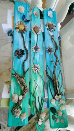 Driftwood mirrors and picture frames are also quite common and popular and add an enchanting decor accent to any room. Stone Crafts, Rock Crafts, Crafts To Make, Arts And Crafts, Seashell Art, Seashell Crafts, Beach Crafts, Deco Nature, Driftwood Crafts