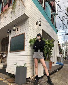 G idle Soojin Kpop Outfits, Korean Outfits, Girl Outfits, Fashion Outfits, Korean Girl Fashion, Kpop Fashion, Mode Streetwear, How To Pose, Jennie Blackpink