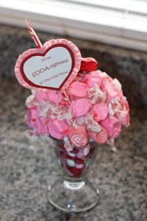 Christy Robbins: I'd Be 'Soda'-lighted. Candy Boquets, Candy Bouquet Diy, Valentine Bouquet, Candy Wreath, Gift Bouquet, Cookie Bouquet, Valentine Wreath, Valentine Baskets, Teacher Valentine