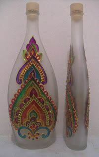 1 million+ Stunning Free Images to Use Anywhere Painted Glass Bottles, Glass Bottle Crafts, Wine Bottle Art, Mosaic Art Projects, Glass Painting Designs, Bottle Painting, Ceramic Painting, Glass Art, Pots