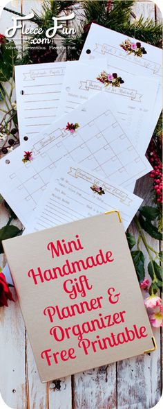 Get organized this holiday season by keeping track of your handmade gifts with this free printable planner.  Free Printable   Handmade Gift Organizer and Planner on www.fleecefun.com
