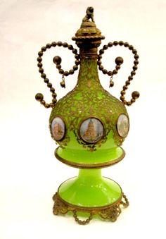 Французский 19-го века зеленый опаловый стеклянный флакон с ароматом 6 ручной росписью миниатюры Парижа и фантазии Доре бронзовые крепления
