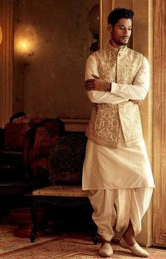 Engagement Dress For Groom, Couple Wedding Dress, Wedding Outfits For Groom, Groom Wedding Dress, Wedding Attire, Indian Groom Dress, Wedding Dresses Men Indian, Wedding Dresses For Girls, South Indian Bride