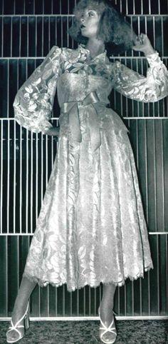 1975 - Jean-Louis Scherrer ensemble Seventies Fashion, 70s Fashion, Fashion Photo, Vintage Fashion, Womens Fashion, Parisienne Chic, Monsieur Jean, Jean Louis Scherrer, Dior