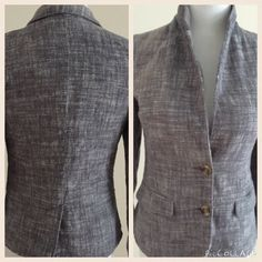 BDG Blazer This blazer is figure flattering. It is gently used with no stains or tears. The collar can be worn up or down. It looks great with jeans or slacks. BDG Jackets & Coats Blazers
