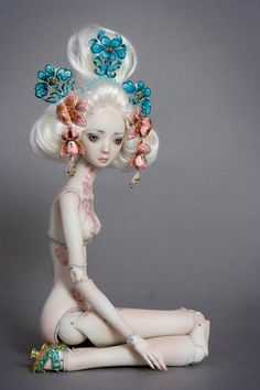Delicadas e belas bonecas de porcelana por Marina Bychkova