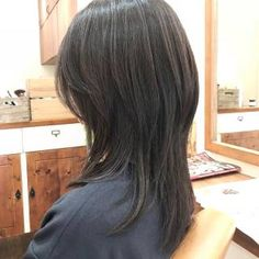 Haircuts For Medium Hair, Medium Hair Cuts, Hairstyles Haircuts, Medium Hair Styles, Curly Hair Styles, Hair Cut Pic, Long Shag Haircut, Shot Hair Styles, Gorgeous Hair Color