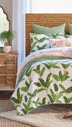 💖 79 cozy hawaiian bedding inspiration to your bedroom makeover 21 Home, Home Bedroom, Bedding Inspiration, Bedroom Makeover, Bedroom Design, Tropical Bedrooms, Bunk Bed With Desk, Bedroom Decor, Girl Room