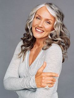 I am about 6 months away from this hair.going gray.tired of coloring my hair. My gray hair is down to my cheekbones. Pelo Color Gris, Pelo Color Plata, Going Gray Gracefully, Aging Gracefully, Makeup Tips For Older Women, Older Beauty, Curly Hair Styles, Natural Hair Styles, Men With Grey Hair