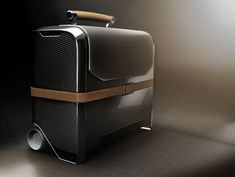YANARA TECHNOLOGIES - AIRLINE PILOT CASE | 2012 on Behance Bedroom Door Design, Airline Pilot, Fashion Packaging, Trolley Case, Best Travel Accessories, Industrial Design Sketch, Robot Design, Small Leather Goods, Small Bags