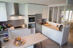 Epure et Design pour une cuisine verrière à Neuilly, Laurence Garrisson - Côté Maison