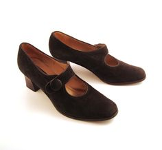 J Peterman Shoes Vintage 1980s Mary Janes by purevintageclothing