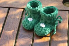 Strick- & Häkelschuhe - Blümchen ♥ kuschelweiche Babyschuhe in Wunschfarbe…