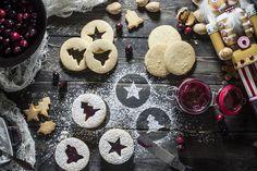 Paleo Christmas Linzer Cookies #certifiedpaleo #paleofriendly #paleo