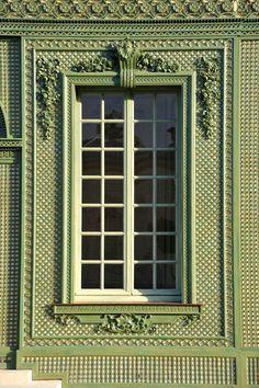 ~Le Pavillon Frais – Versailles Castle | Tricotel -  1848