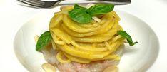 Spaghetto con crema di pesche e peperoni in agrodolce su crudo di mare - Mangiare da Dio   Mangiaredadio.it
