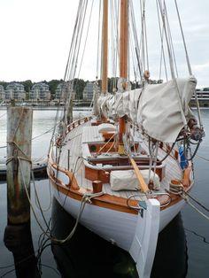 Sailboat Art, Small Sailboats, Classic Sailing, Classic Yachts, Boating Tips, Wooden Ship, Yacht Boat, Water Life, Sail Away