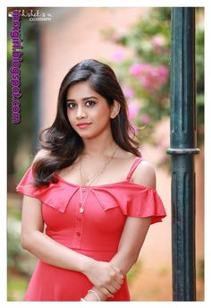 Recent Photoshoot Album Of Nabha Natesh. Nabha Natesh recent photos are captured in the different dresses. Nabha Natesh looks cute in the gallery. Beautiful Girl Photo, Beautiful Girl Indian, Beautiful Indian Actress, Gorgeous Women, Beauty Full Girl, Beauty Women, Stylish Girls Photos, Beautiful Bollywood Actress, Indian Beauty Saree