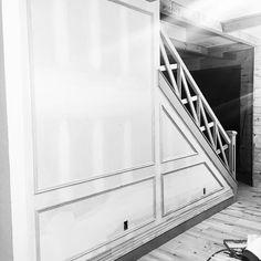 #vonbumanndesign #vonbumann #okcbuilt #okc #wood #woodworking #woodwork #countrydesign #countryliving #farmhousedesign #house #home #homebuilder #housebuilding #design #designer #nailedit #houzz #pinterest #stairway de vonbumann_design