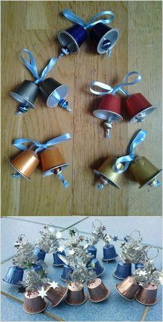 Une idée à mettre de côté pour recycler les capsules de café et les transformer en cloches et grelots pour la décoration de Noël !