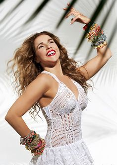 See Daniela Mercury pictures, photo shoots, and listen online to the latest music. Samba, Daniela Mercury, Brazil Carnival, Big Party, Music Covers, Latest Music, Reggae, Afro, Celebs