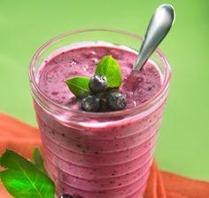 Mustaherukka Smoothie Salad Recipes, Smoothie, Raspberry, Pudding, Fruit, Desserts, Food, Deserts, Recipes For Salads