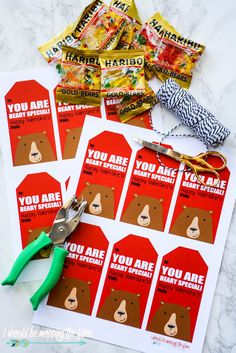These free Printable Beary Special Valentines will make their recipients feel beary special, indeed. They're cute with gummy bears or Teddy Graham cracker packages for an inexpensive class valentine. Kinder Valentines, Valentines Bricolage, Valentine Gifts For Kids, Homemade Valentines, Valentines For Boys, Valentine Special, My Funny Valentine, Valentines Day Party, Valentine Day Crafts