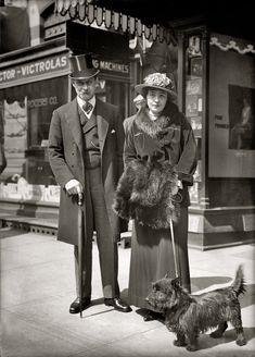 """Circa 1915 glass negative taken outside a Victrola """"talking machine"""" store in Washington, D.C."""