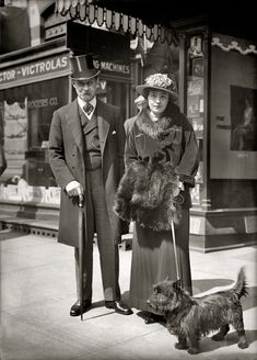 Shorpy Historic Picture Archive :: His Master's Voice: 1915 high-resolution photo