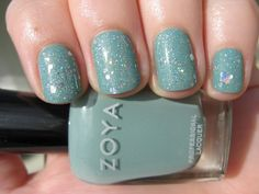 two coats of Zoya Bevin topped with one coat of Lynnderella Shape Shifter