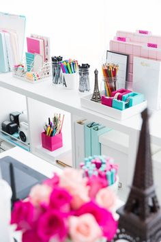Ever wished you had the perfect home office but thought you couldn't afford it? Well here is how to create a home office on a budget even when it seems impossible to do so Retro Home Decor, Home Office Decor, Feminine Office Decor, Pink Office Decor, Office Ideas, Office Organization, Organized Office, My Room, Room Inspiration