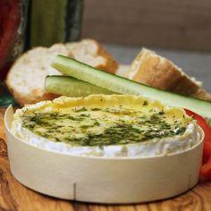 Cheese fondue from the BBQ Fondue, Tapas, Winter Bbq, Bbq Egg, Schnee Party, Big Green Egg Bbq, Kamado Bbq, Cobb Bbq, Vegetarian Barbecue