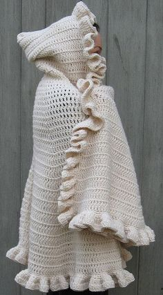 DIY crochet Comfy Snuggle Shawl with Hood - Free Pattern. I have got to start crocheting again and make this for my daughter who's always cold! Maybe make it in red. Little red riding hood! Shawl Crochet, Gilet Crochet, Crochet Diy, Crochet Jacket, Love Crochet, Crochet Scarves, Crochet Clothes, Crochet Sweaters, Crochet Vests