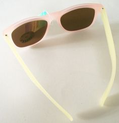 pastel pink and lemon mood frames (yes, they change colour!)