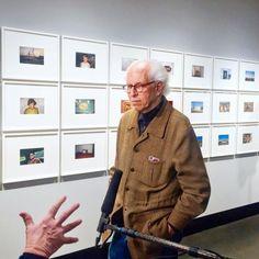 Stephen Shore, einer der bedeutendsten Fotografen der Gegenwart, hat seine Arbeit ganz auf die Fotosharing-App Instagram verlegt. Anika Meier hat den Künstler und sein Social-Media-Verhalten zu seiner Ausstellungseröffnung bei C/O Berlin beobachtet