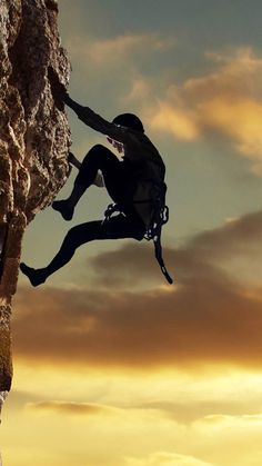 Plan your rock climbing expeditions at these challenging sites in USA. Use TripHobo to plan your thrilling adventure.