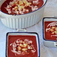 Sopa fria de beterraba com maçã