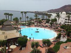 Shallow pool & jacuzzi Timanfaya Palace