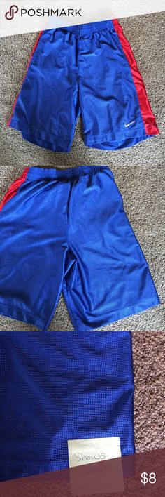 Men's Nike basketball shorts Side pockets.  Shows some wear.  Elastic waist with draw string. Nike Shorts Athletic