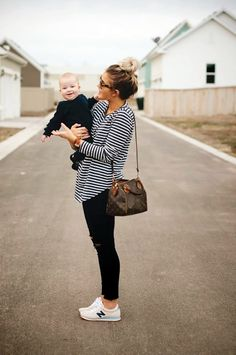 Trendy Stripes Fashion Outfit Ideas (31)